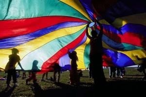 WAA_outreach_parachute99_9